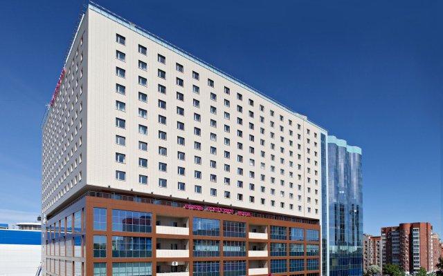 Гостиница Mercure Тюмень Центр вид на фасад
