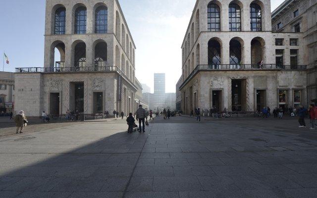 Dogana - 1025 - Milan - Hld 34359