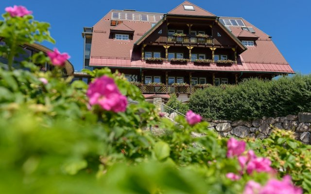 Die Wasnerin G'sund & Natur Hotel вид на фасад