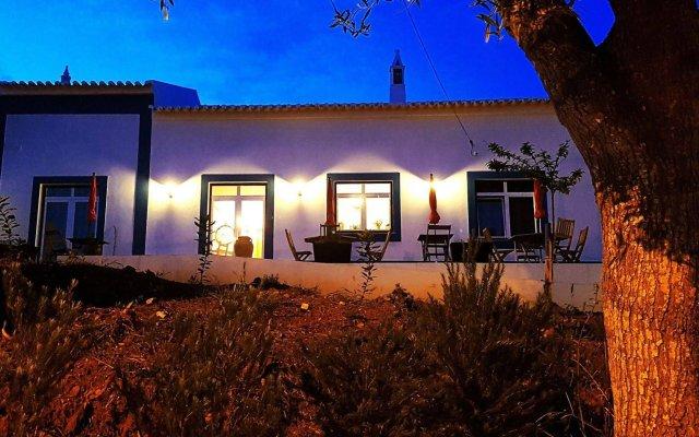 Отель Pure Flor de Esteva - Bed & Breakfast вид на фасад