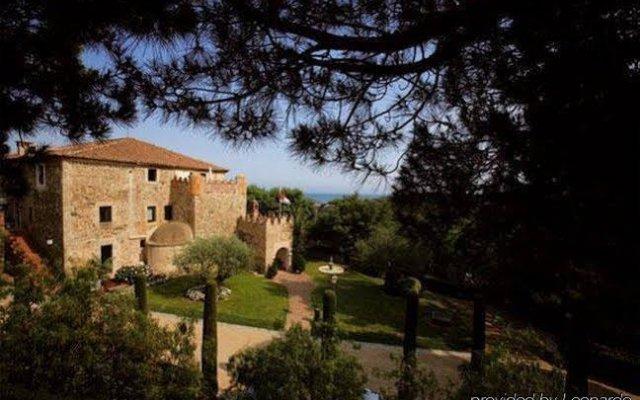 Отель Castell de LOliver Испания, Сан-Висенс-де-Монтальт - отзывы, цены и фото номеров - забронировать отель Castell de LOliver онлайн вид на фасад