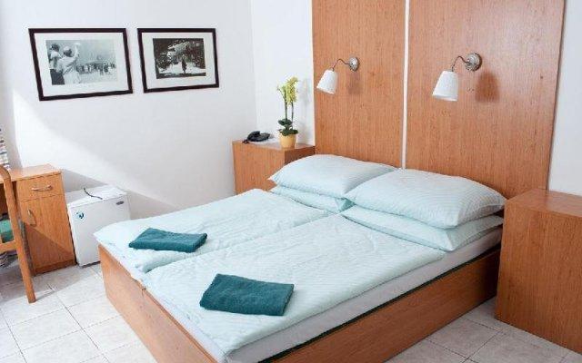 Отель Penzion a Restaurace Stará Roudná Чехия, Пльзень - отзывы, цены и фото номеров - забронировать отель Penzion a Restaurace Stará Roudná онлайн комната для гостей