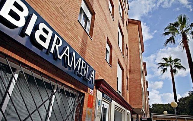 Отель Apartamentos Vértice Bib Rambla Испания, Севилья - отзывы, цены и фото номеров - забронировать отель Apartamentos Vértice Bib Rambla онлайн вид на фасад
