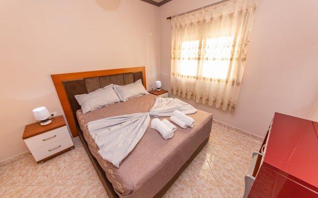 Fiore Hotel 0