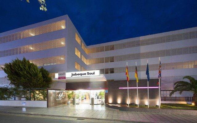 Отель Aparthotel Playasol Jabeque Soul Испания, Ивиса - отзывы, цены и фото номеров - забронировать отель Aparthotel Playasol Jabeque Soul онлайн вид на фасад