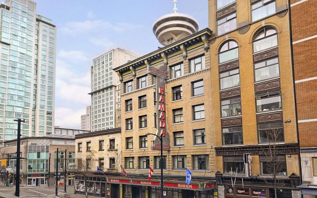 Отель Ramada Limited Vancouver Downtown Канада, Ванкувер - отзывы, цены и фото номеров - забронировать отель Ramada Limited Vancouver Downtown онлайн вид на фасад