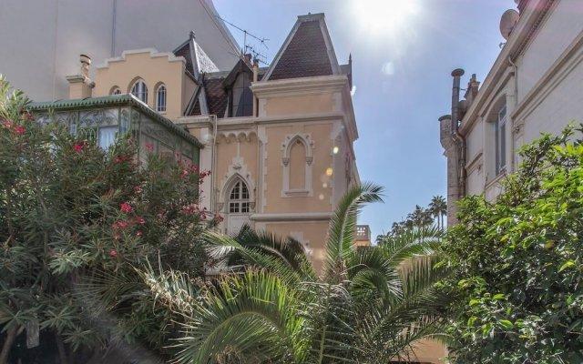 Отель Cannes Croisette Carlton вид на фасад
