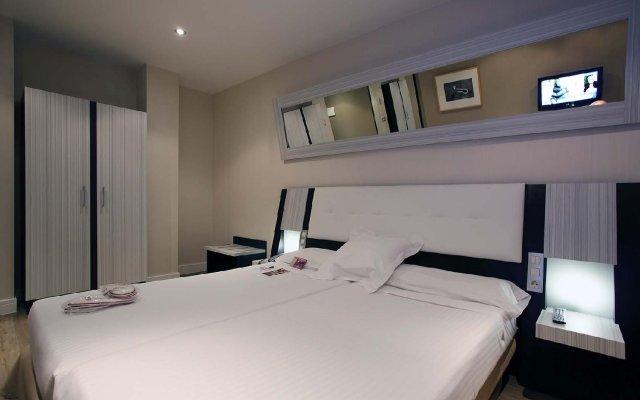 Отель Petit Palace Arenal Sol Испания, Мадрид - 1 отзыв об отеле, цены и фото номеров - забронировать отель Petit Palace Arenal Sol онлайн комната для гостей