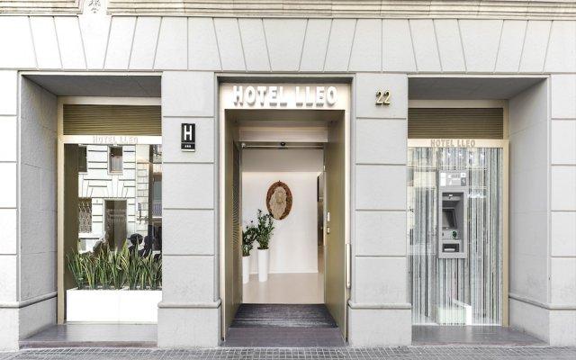 Hotel Lleó вид на фасад