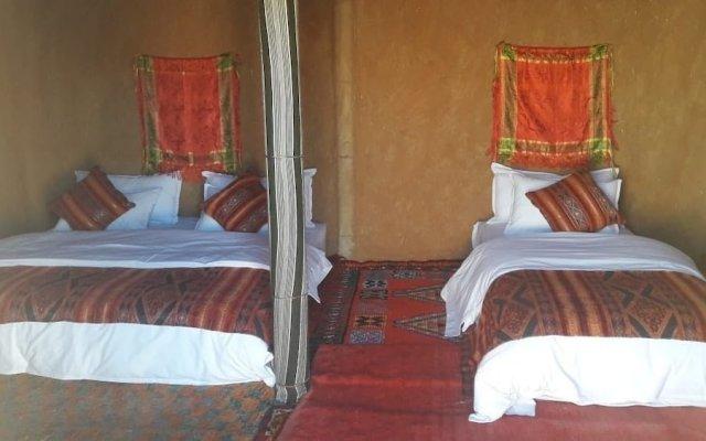 Отель Sahara Camp & Camel Trek Марокко, Мерзуга - отзывы, цены и фото номеров - забронировать отель Sahara Camp & Camel Trek онлайн комната для гостей
