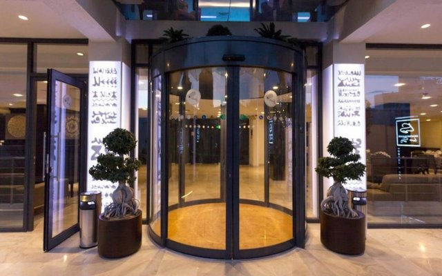 Business Hotel Tunis in Tunis, Tunisia from 78$, photos, reviews - zenhotels.com hotel front