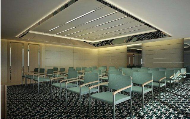 Royal M Hotel & Resort Abu Dhabi 0