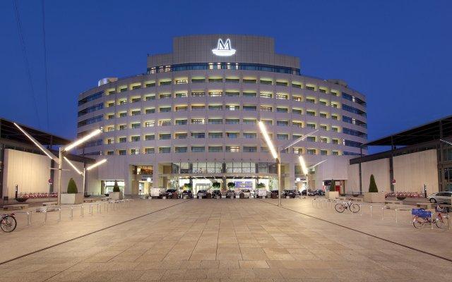 Отель Eurostars Grand Marina вид на фасад