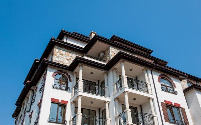 Отель Artur VIP Residence Club вид на фасад