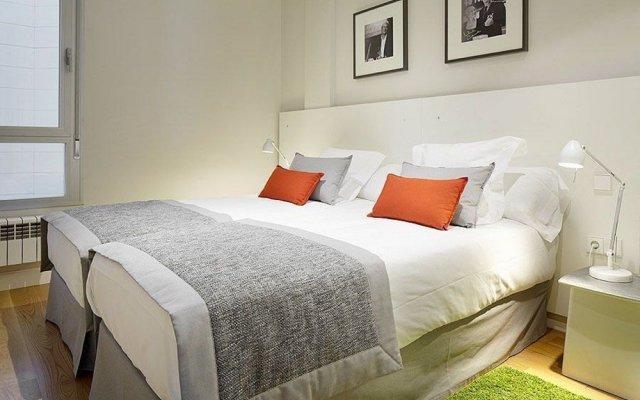 Отель Black & White 3 Apartment by Feelfree Rentals Испания, Сан-Себастьян - отзывы, цены и фото номеров - забронировать отель Black & White 3 Apartment by Feelfree Rentals онлайн комната для гостей
