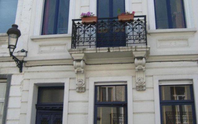 Отель Au Rovignon Bed & Breakfast Брюссель вид на фасад