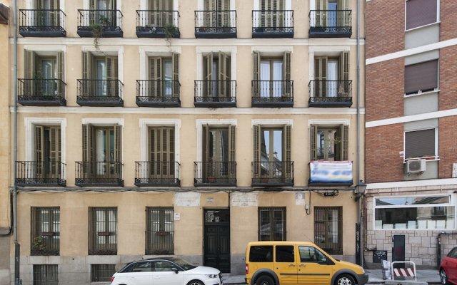 Отель Apartamento Catedral de la Almudena III вид на фасад