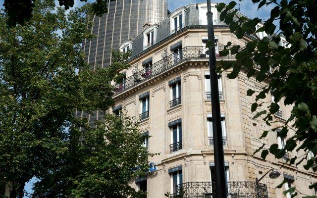 Отель Odessa Montparnasse Париж вид на фасад