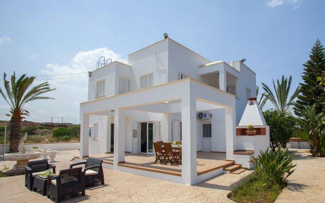 Отель Protaras Views Villa Кипр, Протарас - отзывы, цены и фото номеров - забронировать отель Protaras Views Villa онлайн вид на фасад