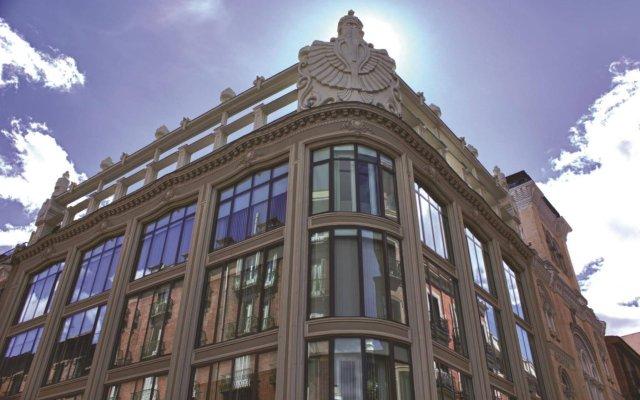 Отель Room Mate Alicia Мадрид вид на фасад
