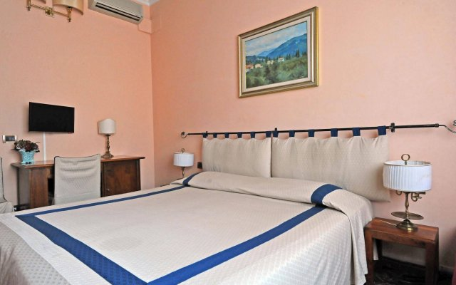 Отель Residenza Cantagalli Флоренция комната для гостей