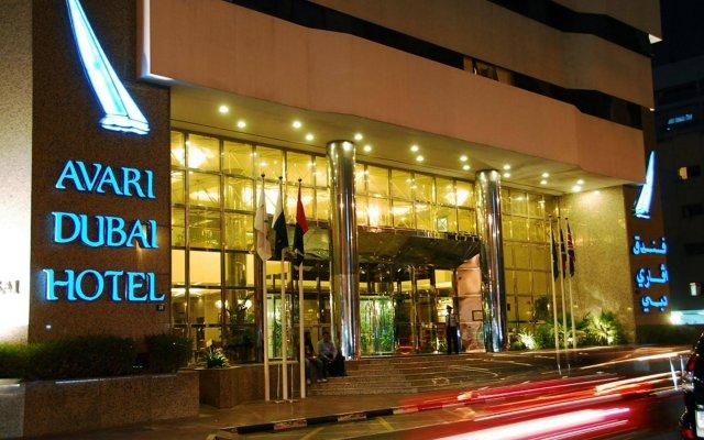 Avari Dubai Hotel вид на фасад