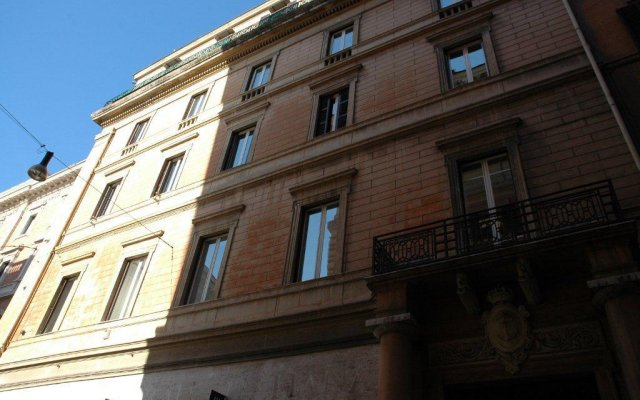 Отель Residenza Montecitorio вид на фасад