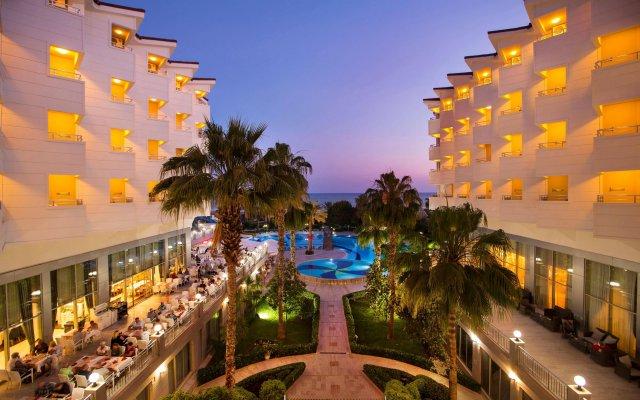 Отель Terrace Beach Resort вид на фасад