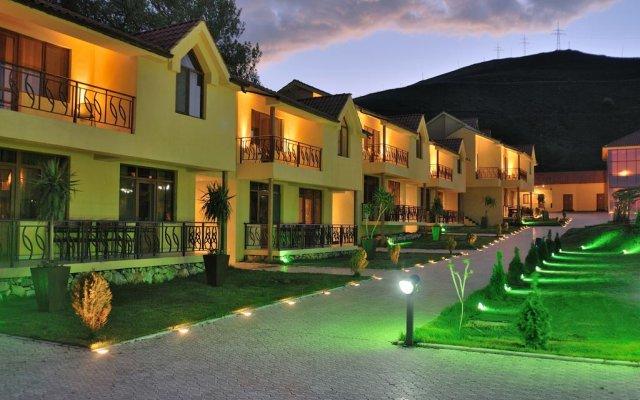 Best Western Bohemian Resort (Севан)