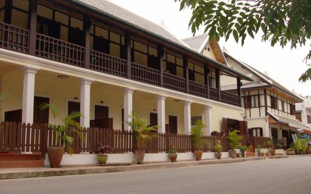 Отель Villa Somphong вид на фасад