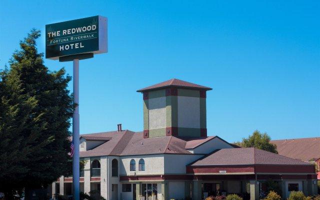 The Redwood Riverwalk Hotel вид на фасад