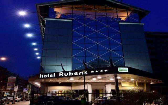 Отель Antares Hotel Rubens Италия, Милан - 2 отзыва об отеле, цены и фото номеров - забронировать отель Antares Hotel Rubens онлайн вид на фасад