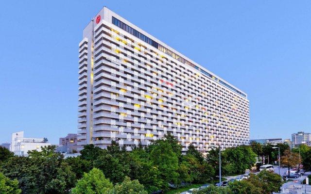 Отель Sheraton Munich Arabellapark Hotel Германия, Мюнхен - отзывы, цены и фото номеров - забронировать отель Sheraton Munich Arabellapark Hotel онлайн вид на фасад
