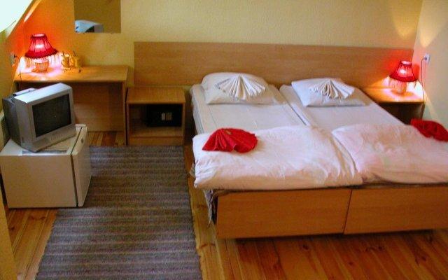 Гостевой дом София комната для гостей