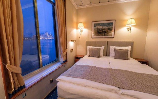 Отель OnRiver Hotels - MS Cezanne Будапешт комната для гостей