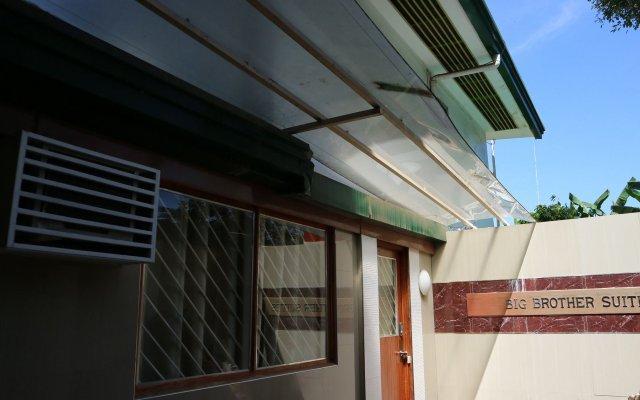 Отель Big Brother Condotel Филиппины, Пуэрто-Принцеса - отзывы, цены и фото номеров - забронировать отель Big Brother Condotel онлайн вид на фасад