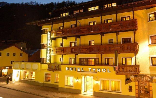 Hotel Tyrol Хохгургль вид на фасад