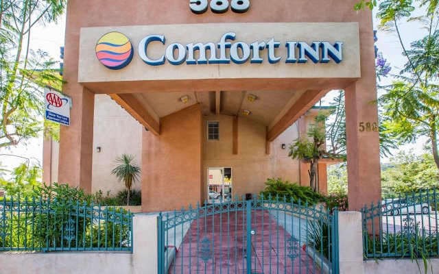 Отель Comfort Inn Monterey Park Монтерей-Парк вид на фасад