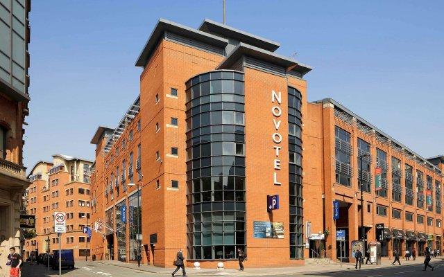 Отель Novotel Manchester Centre вид на фасад