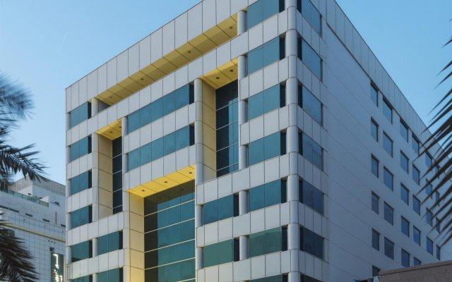 Отель Four Points by Sheraton Bur Dubai вид на фасад