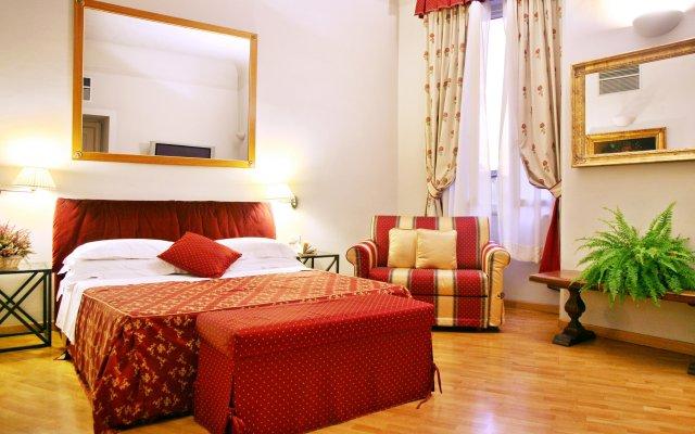 Отель Tornabuoni La Petite Suite комната для гостей