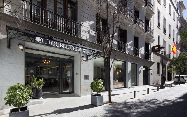 Отель DoubleTree by Hilton Madrid-Prado вид на фасад