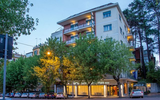 Отель Santa Costanza вид на фасад