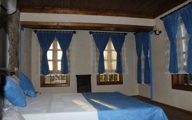 Отель Sirince Tas Konak Торбали комната для гостей