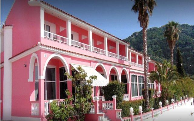Отель The Pink Palace Корфу вид на фасад