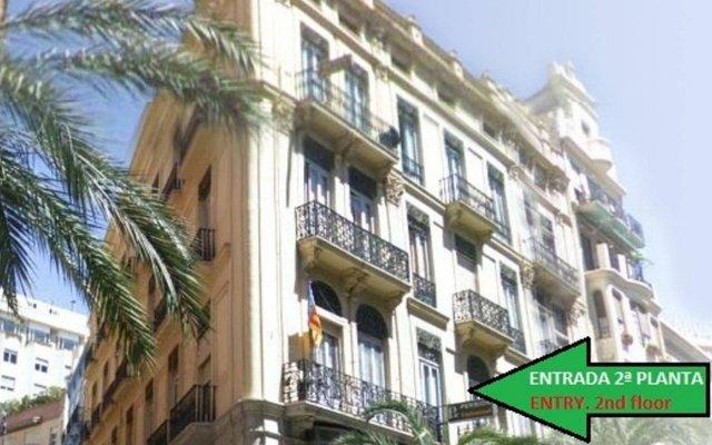 Отель Pensión Universal вид на фасад
