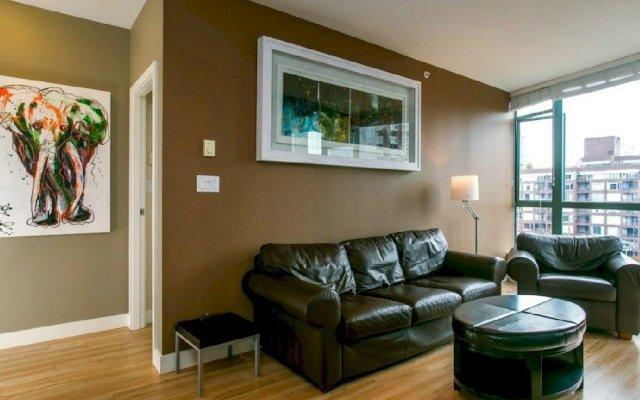 Отель Luxury 3 Bed Private Apartment in Central Downtown Канада, Ванкувер - отзывы, цены и фото номеров - забронировать отель Luxury 3 Bed Private Apartment in Central Downtown онлайн комната для гостей