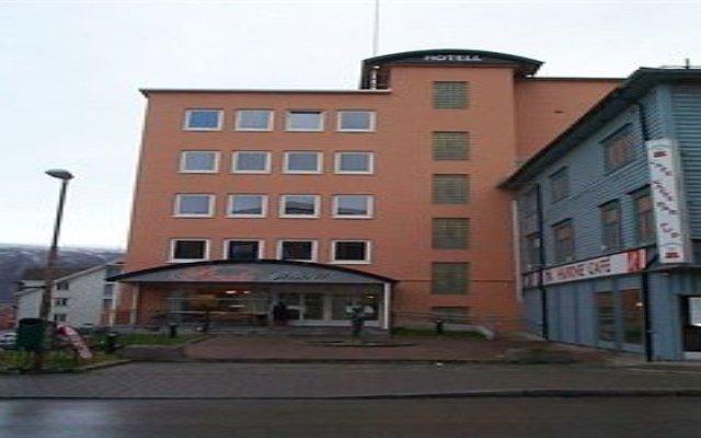 Enter Amalie Hotel