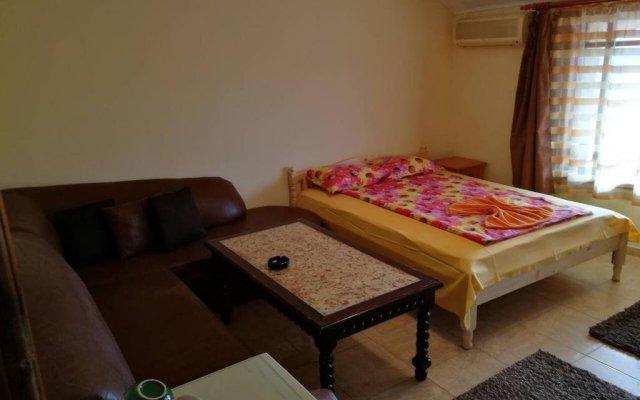 Отель Fener Guest House Поморие комната для гостей