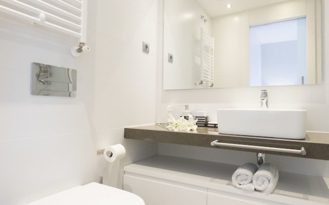 Отель Torre De Madrid Executive - Madflats Collection Мадрид ванная